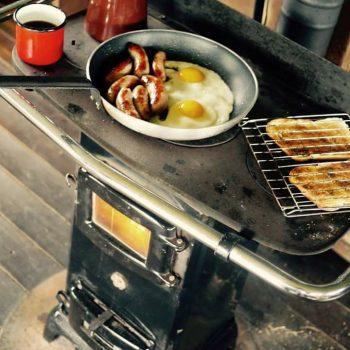 Shilvington Glamping_breakfast