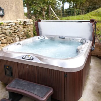 Shilvington Hot tub